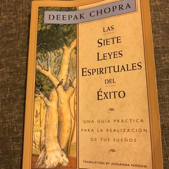 Other Las 7 Leyes Espirituales Del Xito Book Poshmark